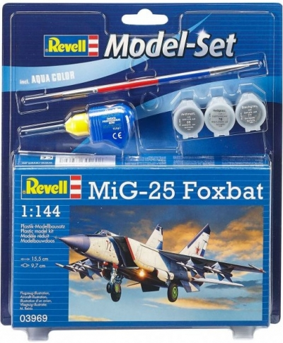 Plastový model Revell MiG-25 Foxbat ModelSet 1/144, 63969